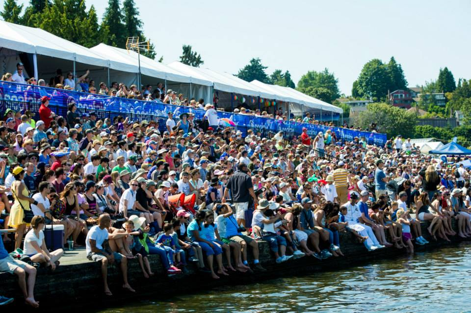 Crowds at Seafair event